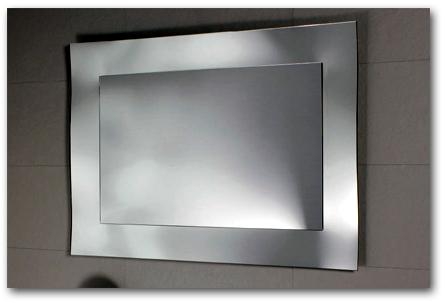 Badspiegel mit Spiegelrahmen