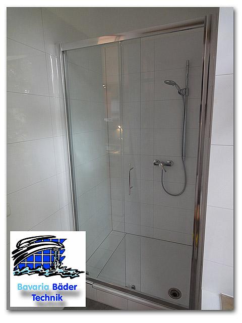 Duschkabine aus Glas (ESG) mit Schiebetüre