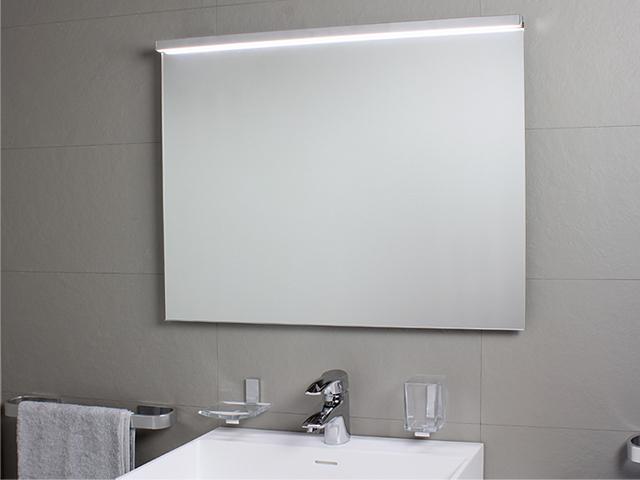 Badspiegel mit LED-Licht