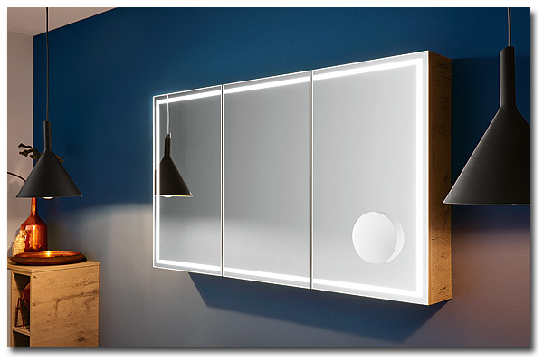 Spiegelschrank für das Bad mit umlaufender LED-Beleuchtung